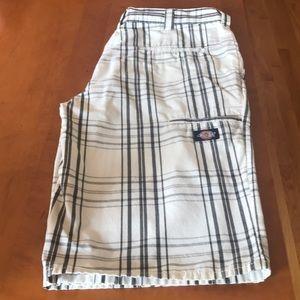 Dickies Men's Shorts wht/blk cotton/poly Sz 34